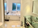 1122_StHelens_bathroom
